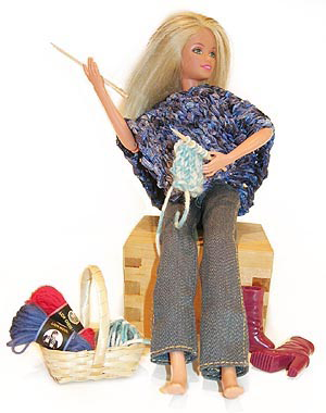 who_knits_barbie_doll