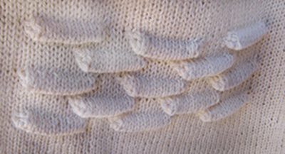 woman_sweater_gertie_tuck_detail