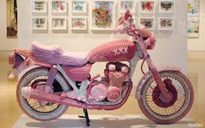 yarn_bomb_pink_motorcycle