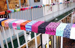yarn_bomb_railing_at_mall