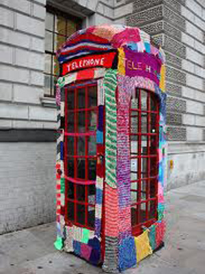 yarn_bomb_telephone_booth